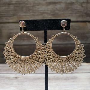 Vtg gold tone hoop clip on earrings